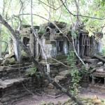 ベンメリアで見たカンボジアの影。「子供ガイド」と「チップ」。