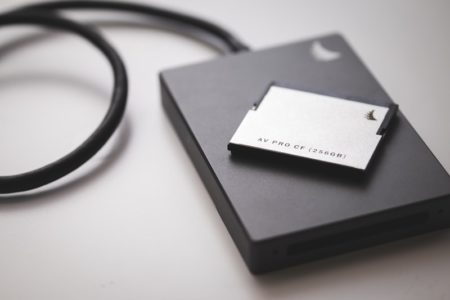 ポータブルHDDに写真のデータを保存する