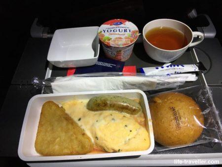シンガポール航空・成田行きの機内食(朝食)