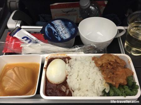 シンガポール航空・シンガポール行きの機内食(夕食)