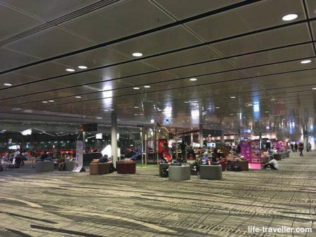 チャンギ国際空港のトランジットエリア(コロナ)