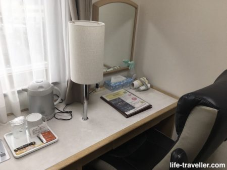 成田U-シティホテルのデスク